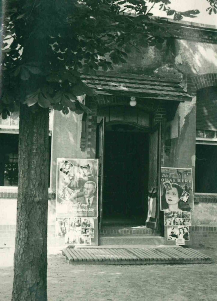 Collection of Photographs of Berlin Post-War Movie Theaters. Willi Conrad, photographer.